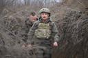 De Oekraïense president Volodymyr Zelensky bezocht het front in de regio Donbas begin deze maand
