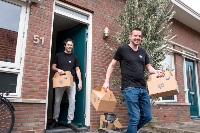 Wouter van den Berge (links) en Michel Vielvoije zijn een ontbijtservice begonnen met luxe producten.
