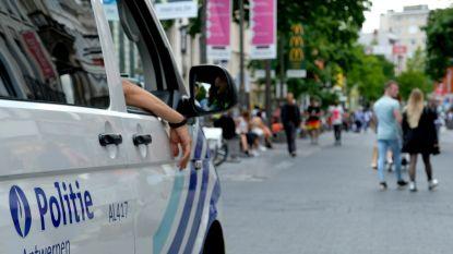 Dief steelt voor 250 euro parfum voor ogen van politie