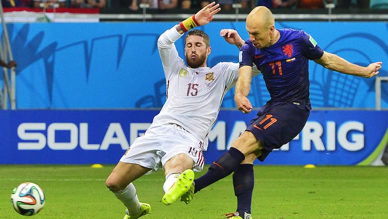 Het moment van de goal van Robben. Beeld null