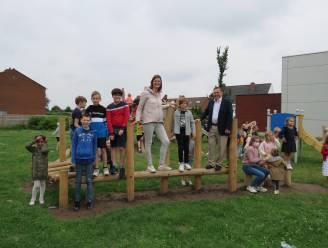 Kinderen Tasscheschool verkennen gloednieuw speelplein waar ze hun zegje mochten over doen