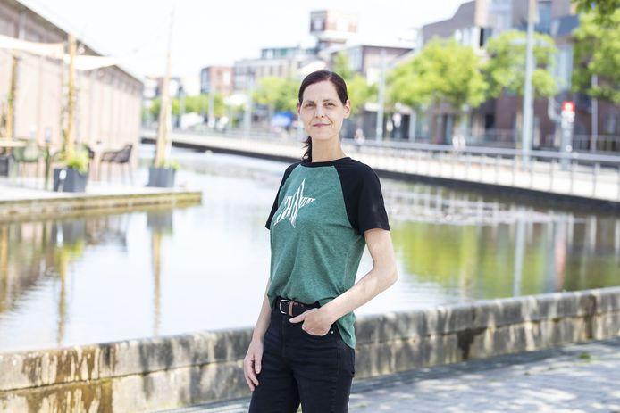 Stephanie Schnettberg is donorkind. Ze zoekt haar biologische vader. De tijd dringt. Ze heeft een verouderingsziekte. Stephanie dacht haar vader op het spoor te zijn, maar 'betrokkenen ontkennen'.