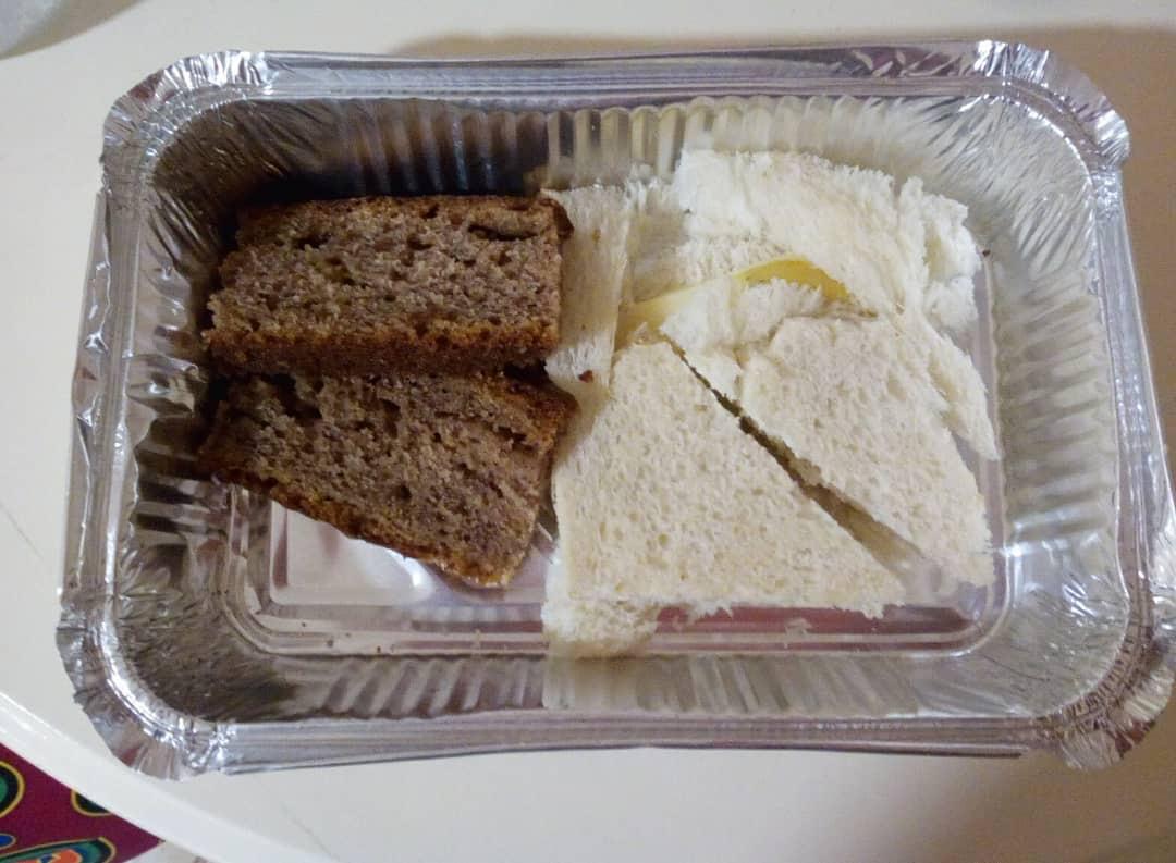 Le repas servi aux passagers bloqués depuis trois jours