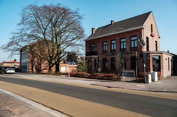 Zandhoven in lockdown vanwege de coronamaatregelen. Brasserie Croonhof.