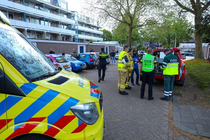 Het wijkje bij de Jasmijnstraat in Vaassen met appartementsgebouwen werd vrijdagavond afgezet vanwege ontploffingsgevaar.