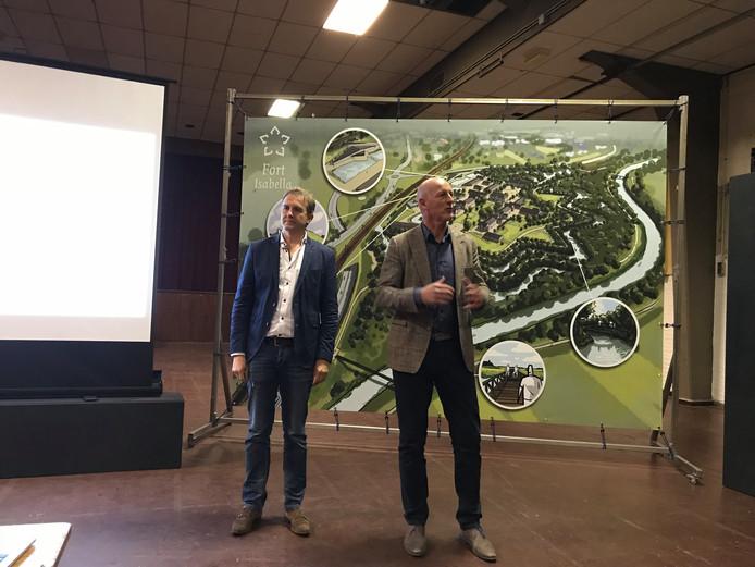 Olivier Koning en Tjeerd Saatrube lichten hun plannen toe.