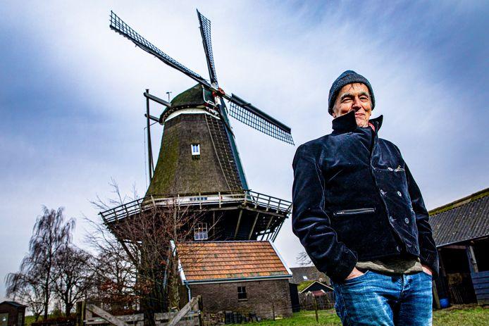 Molenaar Kees van Bunningen startte een crowdfunding om molen De Vlijt van Marle te kunnen restaureren.
