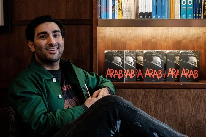 Parham Rahimzadeh schreef het boek Arab.