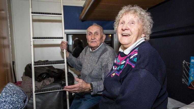 Lambertus en Lidy Smit zijn 67 jaar getrouwd en hebben elkaar ontmoet in een trein. 'Ze kwam naast me zitten en ik liet niet meer los' Beeld Dingena Mol