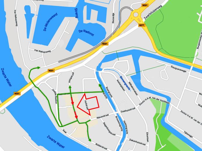 Variant 2, gedeeltelijk eensrichtingsverkeer Hoogstraat en extra ontsluitingen via de Raamstraat en nieuwe parallelweg.