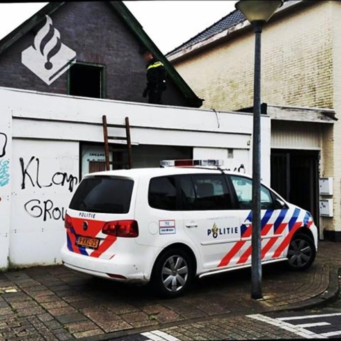 De politie moest het pand via het dak betreden