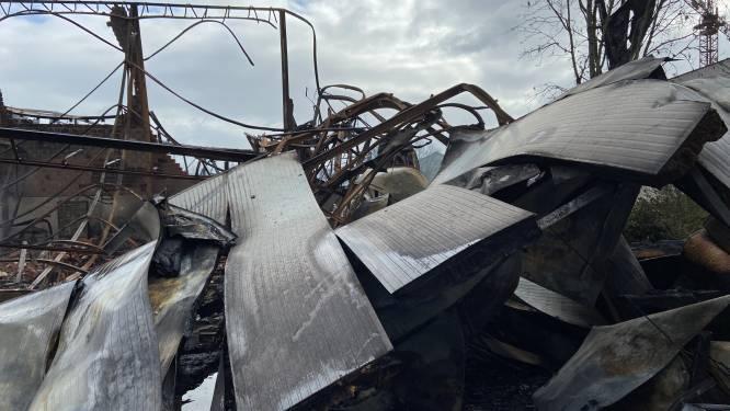 Brandweer rukt uit voor heropflakkering bedrijfsbrand