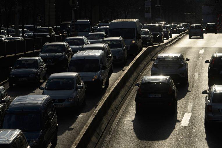 In Londen, Stockholm en Milaan betalen chauffeurs een heffing wanneer ze tijdens de spits met de auto de stad binnenrijden. Beeld Photo News