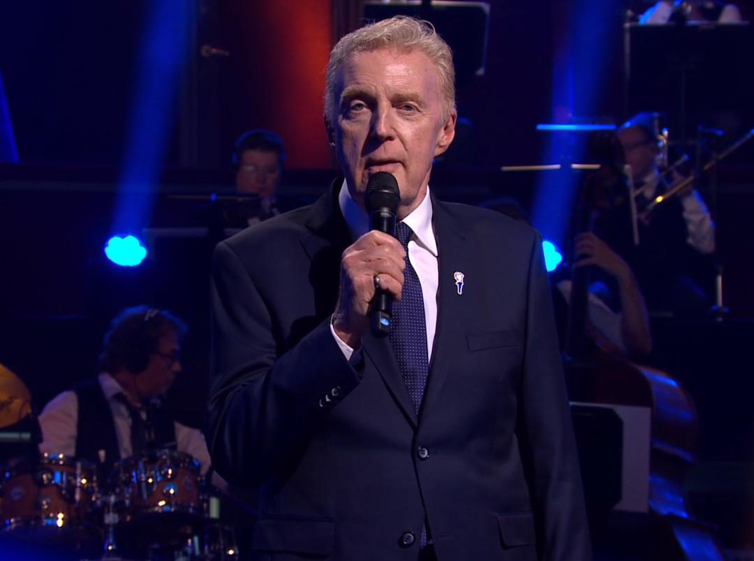 André van Duin bij het 5 mei-concert.