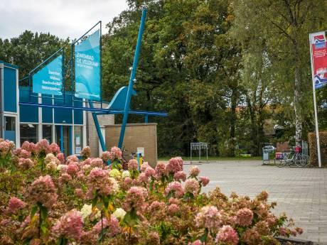 Zwembad De Veldkamp in Wezep lijkt gered, maar dat gaat Oldebroek wel ruim 2 miljoen euro kosten