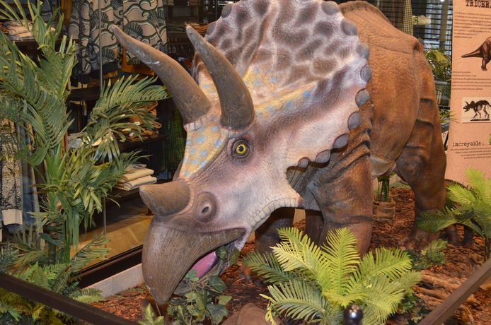 Un dinosaure à Rive Gauche à Charleroi