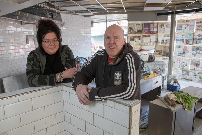 Han Grondhuis en Esther Mazzavillani openen binnenkort een gloednieuwe slagerij aan de Langstraat in Wijhe.
