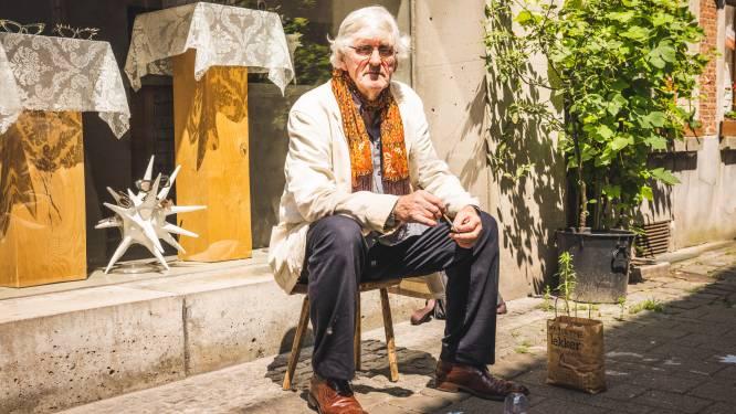 """Kunstenaar Frank Liefooghe heeft werken over de hele wereld, maar is nu aan de slag in eigen stad: """"Kinderen kunnen met krijt meewerken"""""""