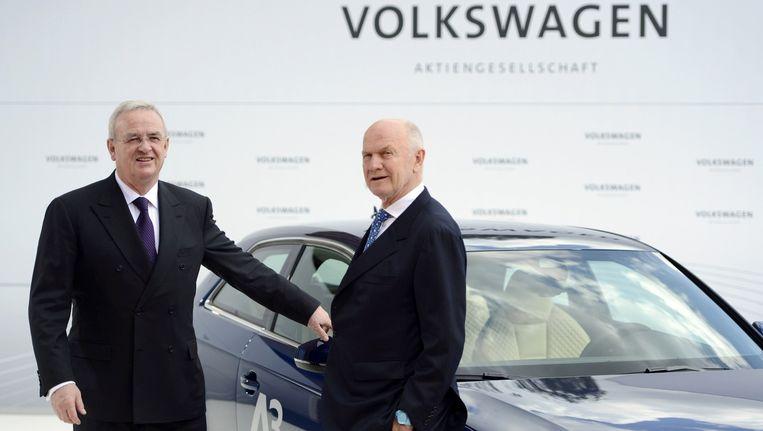 Volkswagen-CEO Martin Winterkorn (links) en bestuursvoorzitter Ferdinand Piëch. Beeld AFP