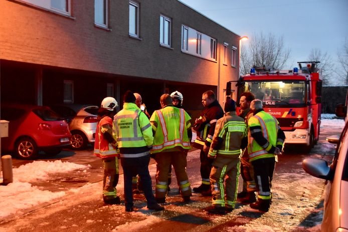 Na metingen oordeelde de brandweer dat er geen gevaar was op een gasontsnapping.