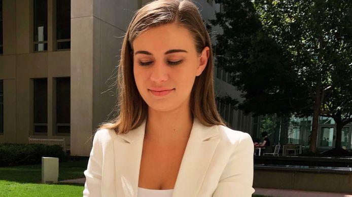 Brittany Higgins, une ancienne employée du gouvernement australien, affirme avoir été violée en 2019 dans le bureau au Parlement d'une ministre puis lâchée par sa hiérarchie.