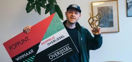 Sticks valt in de prijzen: Zwolse rapper wint Popprijs Overijssel
