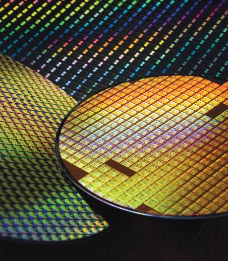 Tekort aan chips verstoort productie auto's en telefoons