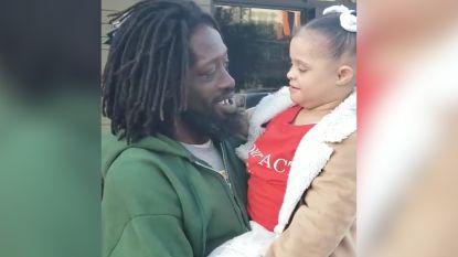 Hartverwarmend: dakloze man en meisje met syndroom van Down zingen duet
