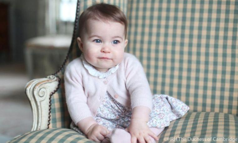 Zoet: nieuwe foto's van prinses Charlotte