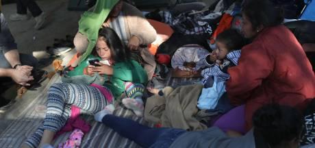 Vluchtelingen uit karavaan uitgejoeld in Mexicaanse grensstad