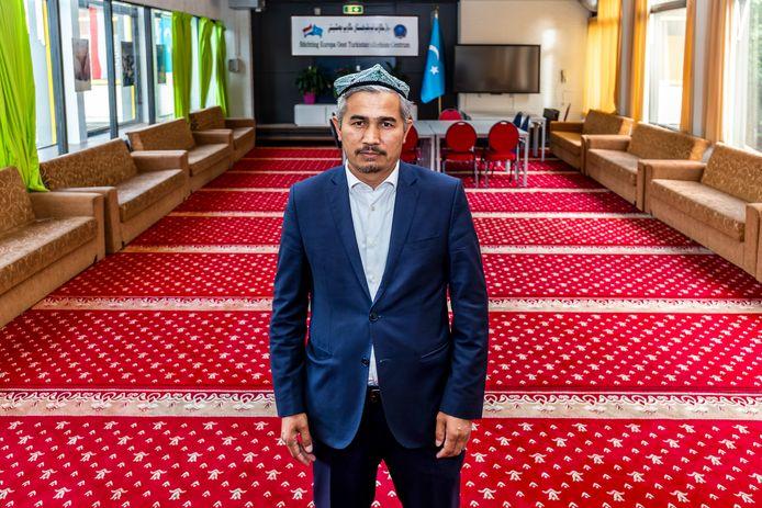 Abdulaziz Abulqasim in het educatiecentrum van de Stichting Oost Europa.
