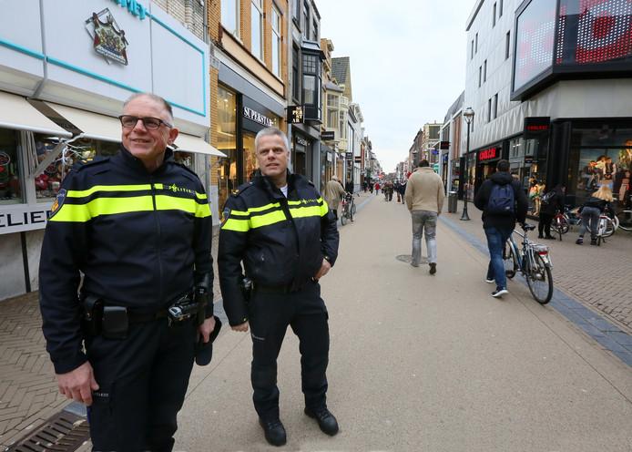 Politiechef Herman van Haarlem (links, op archiefbeeld).