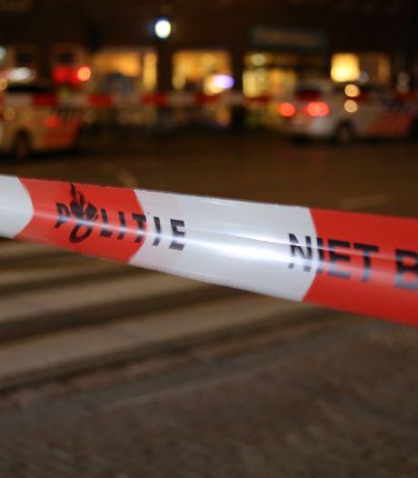 Amsterdammer rijdt lantaarnpaal uit de grond in Noord