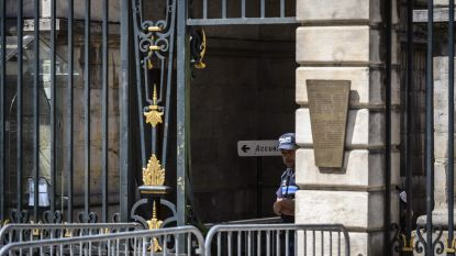 Politie valt binnen bij burgemeester Lyon in onderzoek naar mogelijke verduistering