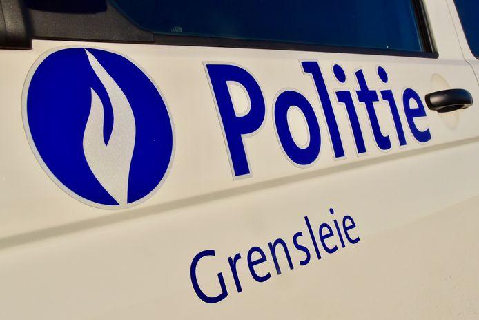 De politie van de zone Grensleie stond in voor de vaststellingen van het ongeval langs de Hogeweg in Menen.