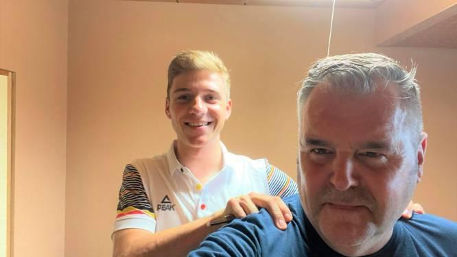 """Oostrozebekenaar Chris (55) stoomt Remco Evenepoel en Wout Van Aert klaar voor Olympische Spelen: """"Ik hoop dat we met koffer vol medailles naar huis terugkeren"""""""