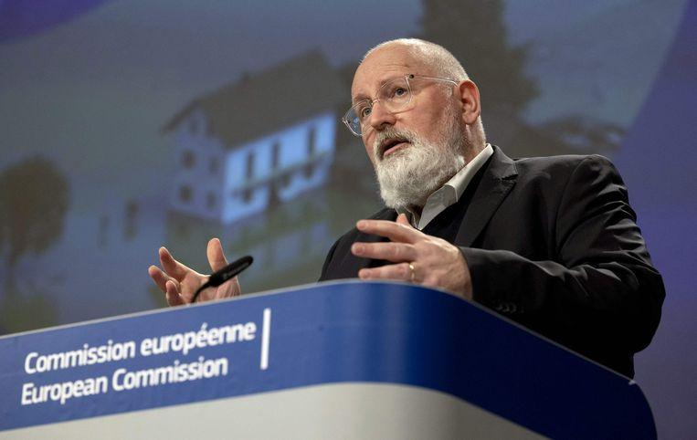 Vicevoorzitter Frans Timmermans van de Europese Commissie tijdens een persconferentie op 24 februari in Brussel.  Beeld AFP