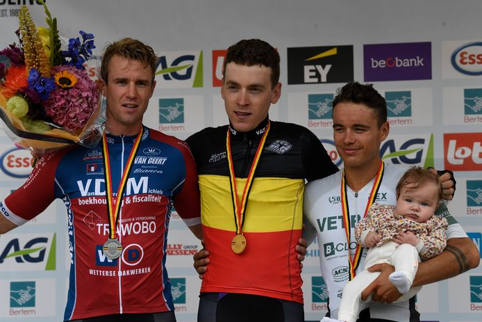 Tom Timmermans werd in Bertem Belgisch kampioen voor Kobe Vanoverschelde en Wesley Van Dyck.