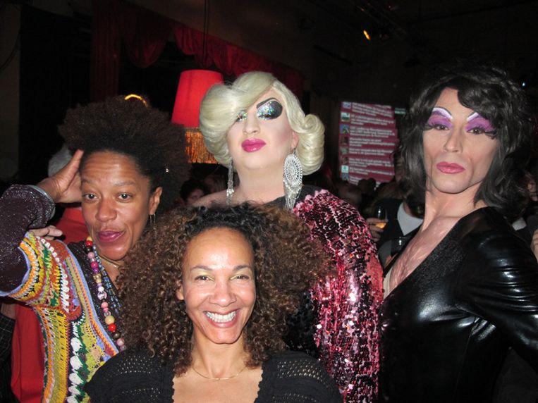Hair! I'm gonna live forever... Vlnr Neske, Marline, Lady Galore en Gimmemore. Beeld