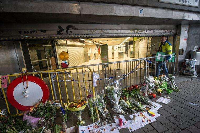 De ingang van het metrostation Maalbeek in Brussel. Beeld Photo News