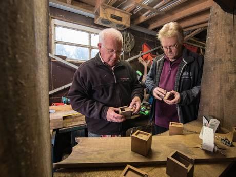 Stedelied klinkt uit hout Stadsbrug Kampen