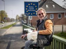 Aspergeverkoper Arno vindt de coronatestplicht in de grensstreek niks: 'Iedereen heeft er last van, waardeloos!'