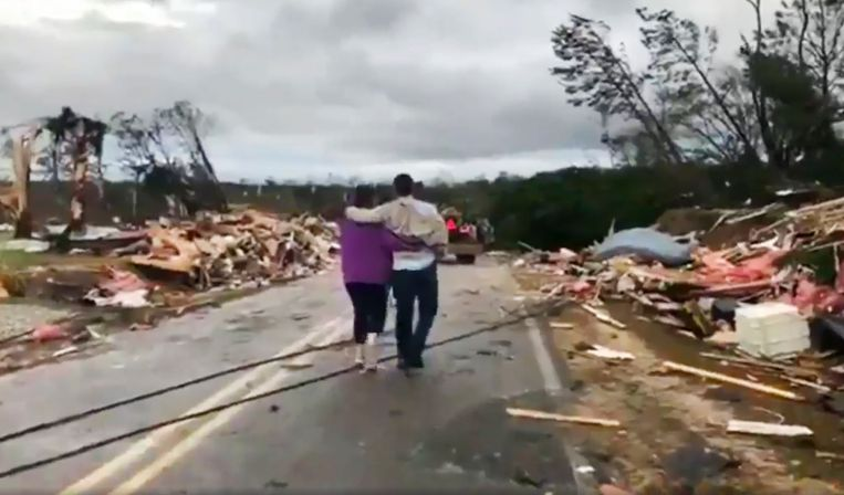 Lee County, na de tornado. Beeld AP