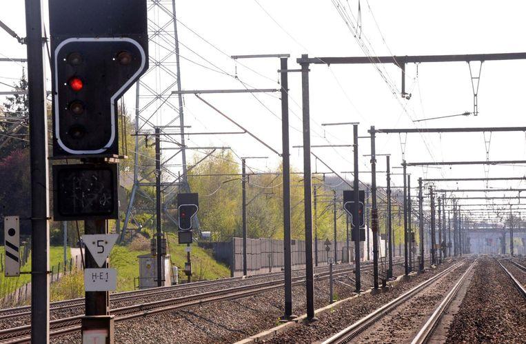 Volgens de NMBS lag de schuld van de treinramp niet bij de treinbestuurder. Het signaal stond mogelijk op groen, zeker niet op rood.