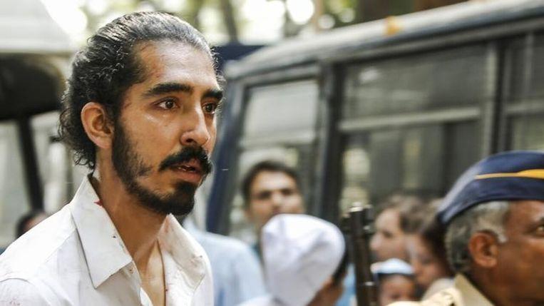Dev Patel in Hotel Mumbai van Anthony Maras Beeld