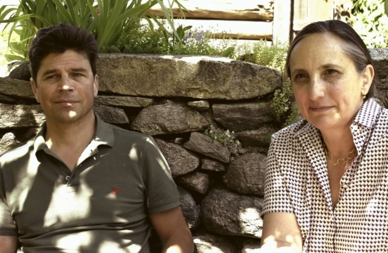 Tobias en Patrizia: 'Twee jaar later zijn de mensen nog altijd in shock. We wisten dat de bergen gevaarlijk zijn, maar zo rakelings ontsnappen, dat is ingrijpend.' Beeld