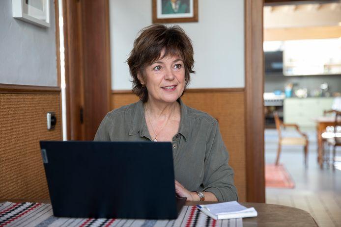 """Karin van As: ,,De voorbereiding van mijn werk doe ik bij voorkeur in alle rust thuis in Zierikee."""""""