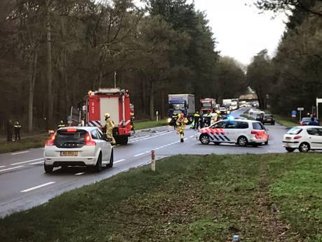 Frontale aanrijding op N35 tussen Nijverdal en Haarle, weg weer vrij