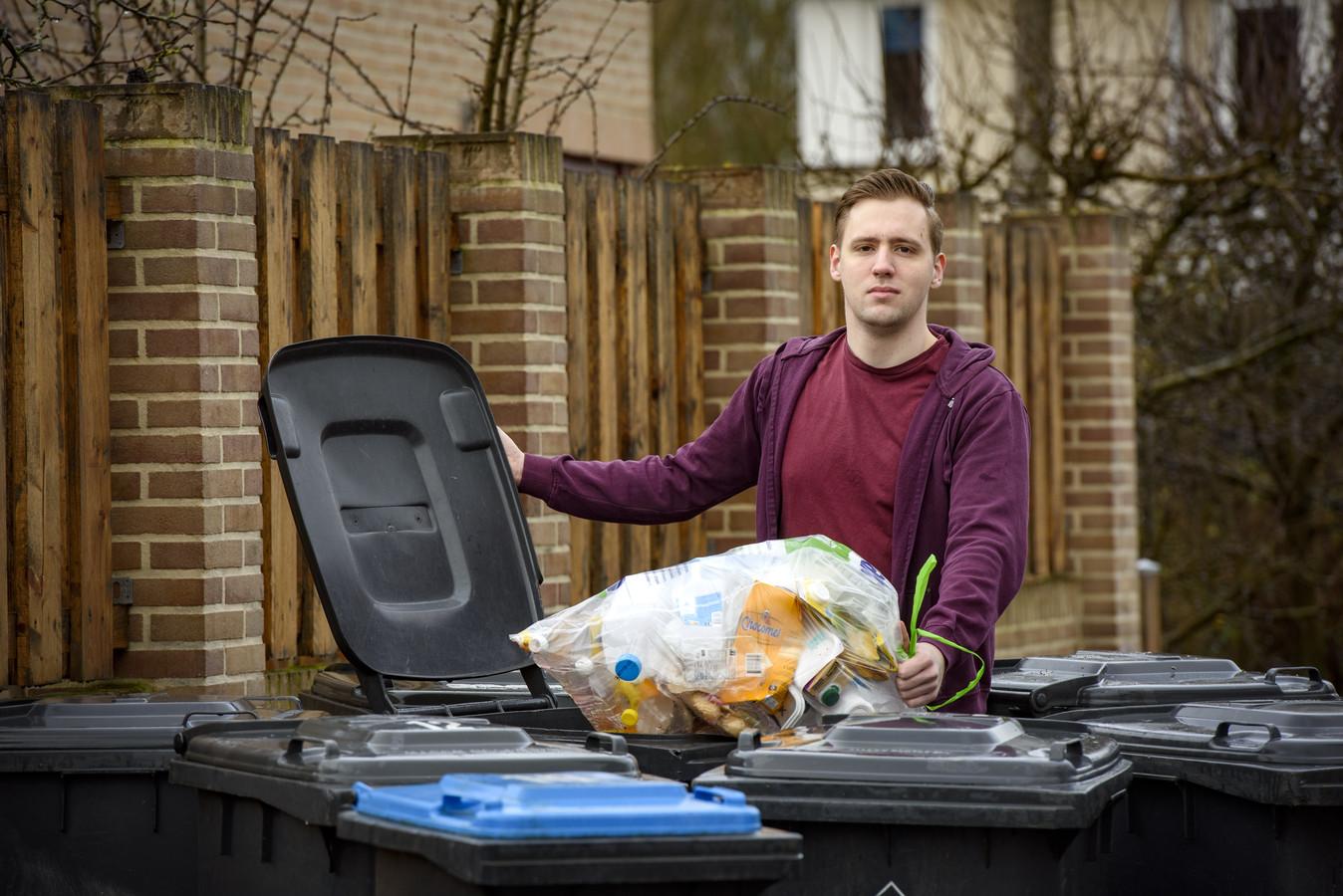 Plastic, blik en afval weer gewoon in de grijze container gooien. Als het aan het Zutphense SP-raadslid Mart de Ridder ligt komt er zo snel mogelijk een einde aan het diftar-systeem, waarbij inwoners zelf hun afval moeten scheiden.