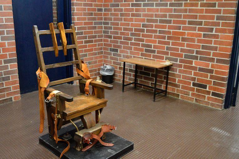 Hoe snel de doodvonnissen in South Carolina voltrokken kunnen worden, is afwachten. De 109 jaar oude houten elektrische stoel is klaar voor gebruik. Beeld AP